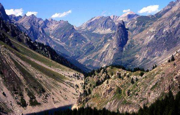 Rocca Provenzale e Castello visti dal sentiero