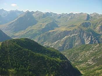 Anticlinale di Acceglio e il vallone del Mollasco