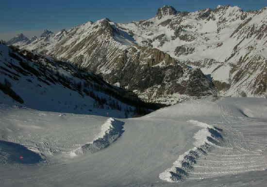 La dorsale del Monte Oronaye, spartiacque con la Valle Maira