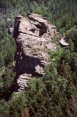 Rocca Cubiera, vicina al Castlas