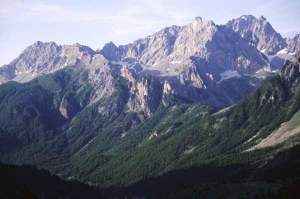 L'area dell'escursione; il gruppo dell'Oronaye